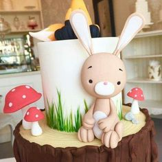 Birthday Party Cake Ideas for Boys – Woodland Cake Tutorial Sweet Cakes, Cute Cakes, Bolo Rapunzel, Easter Bunny Cake, Bunny Cakes, Fondant Toppers, Fondant Bow, Fondant Flowers, Easter Cake Fondant