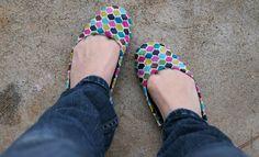 Polka-dot mod podge shoes. #modpodge #shoes #diy