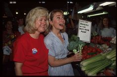 1992: Hillary with Tipper Gore and broccoli | 13 Awesome Vintage Photos Of Hillary Clinton