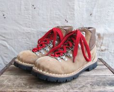 << NEW >> vintage 1970s Mountain Walkers boots with Vibram sole by MouseTrapVintage, $68.00