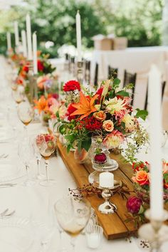 We love this bright, colorful floral inspiration! country wedding pallet tablerunner on table with orange flowers love made visible Pepper Sprout Barn Fall Wedding Colors, Autumn Wedding, Wedding Flowers, Dress Wedding, Pallet Wedding, Mod Wedding, Chic Wedding, Elegant Wedding, Wood Centerpieces
