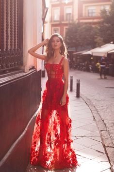 Shop the latest on-trends gowns from Alamour The Label's range of new arrivals dresses. Elegant Dresses, Pretty Dresses, Red Formal Dresses, Designer Formal Dresses, Red Carpet Dresses, Vetement Fashion, Mode Outfits, Beautiful Gowns, Dream Dress