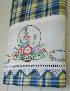 Recycled Vintage Pillowcase to Upcycled Tea Towel - Bountiful Basket - Homespun Home Decor Mais Embroidery Transfers, Embroidery Patterns, Hand Embroidery, Machine Embroidery, Embroidery Sampler, Scarf Patterns, Christmas Embroidery, Knitting Patterns, Vintage Crafts