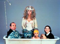 "Bob Hoskins, Cher, Wynona Rider e Christina Ricci nel film ""Sirene"". Prodigi della fantasia casalinga"