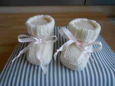 Ähnliche Artikel wie little Baby-girl shoes auf Etsy Little Baby Girl, Little Babies, Baby Girl Shoes, Girls Shoes, Hand Knitting, Etsy, Kids, Worth It, Breien