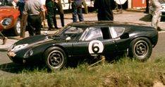 Richard Attwood (GB)/David Hobbs (GB) GT at Le Mans, Note the car's licence plate perched on the nose. Le Mans, David Hobbs, Ford Gt40, Race Cars, Racing, History, Vehicles, Motor Sport, F1