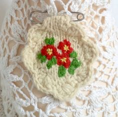 Brooch embroidered/hand knitted primrose - red by Laviniaslegacy on Etsy