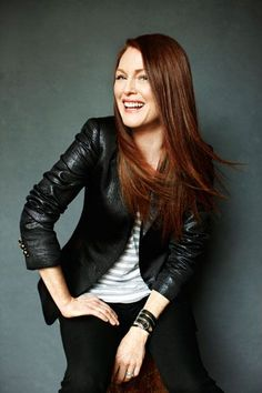 Julianne Moore- she makes me sad I'm not a natural redhead. Julianne Moore, Natural Redhead, Beauty Shots, Cut And Color, Beautiful Actresses, Red Hair, Redheads, Beautiful People, Celebrity Style
