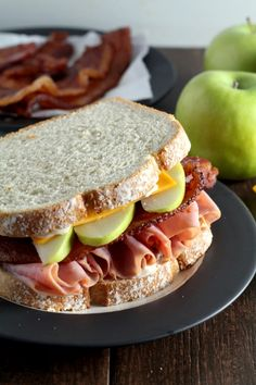 These Harvest Apple, Bacon and Cheddar Ham Sandwiches are perfect for quick lunches in the fall. #SandwichwithTheBest #ad