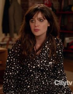 Jess's black and white polka dot pjs on New Girl. (Silk, Victoria's Secret, I own the pink and white iconic stripe version. Zooey Deschanel Style, Zoey Deschanel, Best Pajamas, Pajamas Women, Jess New Girl, New Girl Style, Jessica Day, Girls Pjs, 500 Days