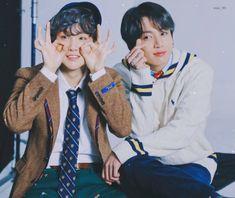 Jungkook Abs, Bts Jungkook, Taehyung, Korean Boy Bands, South Korean Boy Band, Bts Playlist, Bts Korea, Bts Group, Bts Pictures