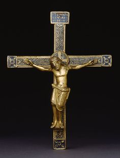 Belgian (Meuse River Valley) or German (Rhineland), Crucifix, About Gilded copper, champlevé enamel. Art Institute of Chicago. Sign Of The Cross, The Cross Of Christ, Christian Symbols, Christian Art, Medieval, Museum Studies, Carolingian, Photo D Art, Early Middle Ages