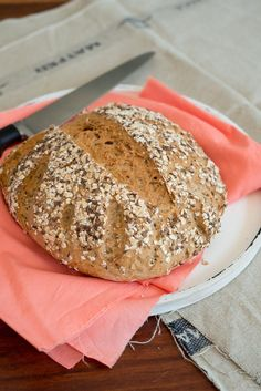 Haferflocken-Brot Oatmeal bread bread breakfast French cooking by Aurélie Bastian Related posts: Oatmeal bread for those in a hurry – gluten-free Selbst gemachtes Honey Oatmeal Bread (Brotmaschine) Oatmeal Bread Pure oatmeal bread Oatmeal Bread Recipe, No Carb Bread, Bread Recipes, Cooking Recipes, Cooking Oatmeal, Cooking For Beginners, Cooking Cake, No Cook Desserts, Vegan Snacks