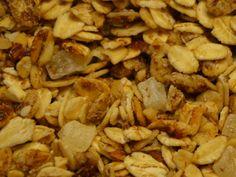 Granola de Almendra y Piña: Prueba nuestra crujiente granola artesanal elaborada con los mejores ingredientes disponibles en Chile. Endulzada solo con miel.    Este producto se ha convertido en el mejor desayuno o snack para cualquier hora del día. Nuestra granola es horneada por varios minutos junto a la exquisite miel de abeja, lo que le da un sabor tostado y la hace mucho más sabrosa que el muesli.