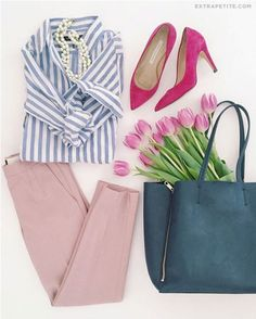 Spring work outfit idea // navy striped shirt + bag, pink pants for work # women. - Casual Summer Outfits for Work Classy Outfits, Cool Outfits, Casual Outfits, Fashion Outfits, Vegas Outfits, Party Outfits, Pink Pants Outfit, Light Pink Pants, Outfits With Striped Shirts