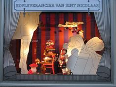 "de Bijenkorf ""Hofleverancier van Sint Nicolaas"" Window Displays 2010"