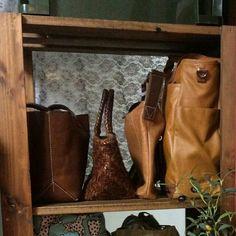 出し入れしやすい収納が一番☀DIYでサイズぴったり仕事道具とバッグの棚作りました