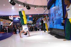Animations de Capoeira à Paris, Spectacles vivants et organisation d'ateliers découverte pour votre public, cours particulier à domicile    http://www.capoeira-paris.net/show-danseurs-de-capoeira-paris.html