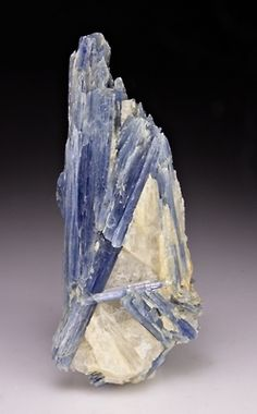 Kyanite    Minas Gerais, Brazil / Mineral Friends <3