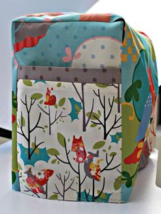 Sewing machine cover tutorial. Add a hole for the handle on top