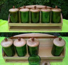 Especiero. Botellas recicladas, eucalipto y cedro. 41 x 18 cm.
