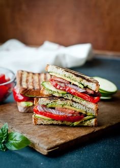 This panini is loaded with fresh veggies, creamy avocado and set off with a delicious pesto sauce. The combination of flavors is electric!