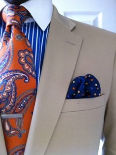 Menswear-Paisley polka- OMG I love this! & Awesome Menswear For Men. Fashion Moda, Look Fashion, Mens Fashion, Races Fashion, Fashion Menswear, Fashion Beauty, Gentleman Mode, Gentleman Style, Sharp Dressed Man