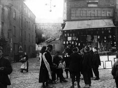 Liverpool Picturebook a site featuring a collection of old photographs and pictures of Liverpool, and Liverpool History, updated regularly. The history of Liverpool in Pictures Liverpool Docks, Liverpool History, Liverpool Home, Family Tree Designs, Scotland History, The Good Old Days, Old Photos, Past, How To Memorize Things