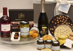Excellent Italian Flavors Gift Basket https://goo.gl/47Yu7E #sweet #jams #chocolate #honey #sparklingwine #italianfood