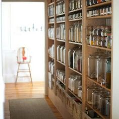 Looking for some ideas for your kitchen organization ideas? When it comes to design, the pantry is really a forgotten spot. We have collected some inspiring hack organization for your modern minimalist kitchen. Hidden Pantry, Built In Pantry, Small Pantry, Built In Bookcase, Minimalist Kitchen, Modern Minimalist, No Pantry Solutions, Pantry Shelving, Shelving Ideas