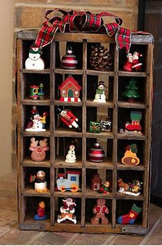 Christmas ornament display using old coke crate Christmas Love, Country Christmas, All Things Christmas, Vintage Christmas, Christmas Holidays, Christmas Decorations, Xmas, Christmas Ornaments, Christmas Trees