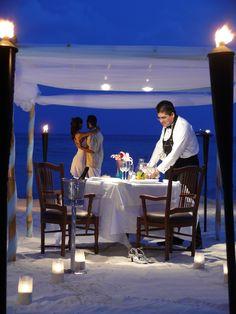 Cena romántica #travel #places #beautiful #cute #cool #trip #holidays #vacation #sea #see #pictureoftheday #backpackers #amazing #viajar #viajes #viatges #lugares #romantico #romantic #night #noche