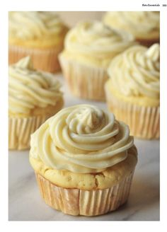 These easy keto cupcakes are are from my brand new cookbook Keto Essentials! Cupcakes Keto, Easy Vanilla Cupcakes, Cupcake Recipes, Dessert Recipes, Fluffy Cupcakes, Recipes Dinner, Keto Friendly Desserts, Low Carb Desserts, Low Carb Recipes
