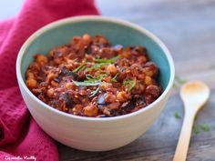 Recette d'un ragoût de pois chiches végétarien et vegan à l'aubergine et à la tomate. Un plat complet ou accompagnement avec données nutritionnelles.