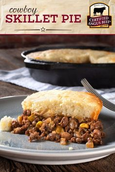 Made with Certified Angus Beef brand ground beef buttermilk biscuit mix green chilies enchilada sauce onions and corn this COWBOY SKILLET PIE is the definition of COMFORT FOOD! This easy skillet beef pie recipe is a must try. Best Beef Recipes, Ground Beef Recipes, Favorite Recipes, Enchilada Sauce, Meat Appetizers, Appetizer Recipes, Beef Pies, Easy To Cook Meals, Biscuit Mix