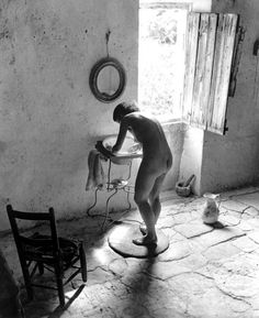 Willy Ronis - Le Nu Provencal, Gordes - 1949