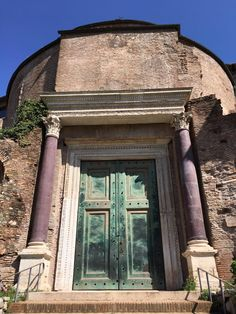 The bronze doors of the so-called Temple of Romulus date from 309 CE and are one of only three sets of roman bronze doors to survive in Rome. The others are the doors of the Pantheon, and the doors of the Curia Iulia. Roman Britain, Roman Architecture, Roman History, Ancient Romans, Rome Italy, Gazebo, Temple, Survival, Outdoor Structures
