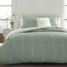 Features:  -Ocala collection.  -Twin includes 1 comforter and 1 standard sham.  -Full/queen includes 1 comforter and 2 standard shams.  Product Type: -Comforter/Comforter set.  Style (Old): -Modern.