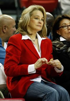 LAS VEGAS - NOVEMBER 12:  Former candidate for the Republican nomination for the U.S. Senate seat in Nevada Sue Lowden attends the UNLV Rebels game against the UC Riverside Highlanders at the Thomas & Mack Center November 12, 2010 in Las Vegas, Nevada. UNLV won 85-41.  (Photo by Ethan Miller/Getty Images)