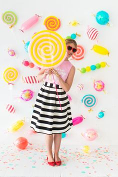 makes think of you, in our new sweet shop~Candy Balloons Party Backdrop Party Kulissen, Candy Party, Party Time, Ideas Party, Diy Ideas, I Spy Diy, Candy Theme, Backdrops For Parties, Birthday Decorations