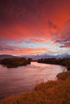 Epic Owens River Sunset by Nolan Nitschke - thanks for the image Noan from the Yosemite guides at http://SierraSpirit.biz/