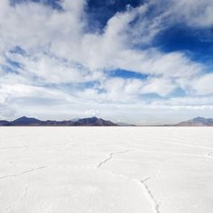 30 Surreal And Beautiful Places in the U.S. | 27.) Bonneville Salt Flats, Tooele County, Utah