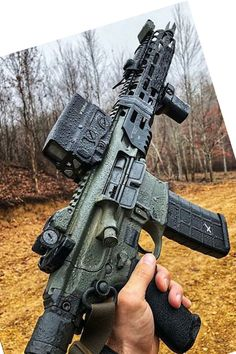 Build Your Sick Cool Custom Assault Rifle Firearm With This Web Interactive Firearm Builder with ALL the Industry Parts - See it yourself before you buy any parts Military Weapons, Weapons Guns, Guns And Ammo, Tactical Life, Tactical Gear, Armas Sig Sauer, Firearms, Shotguns, Battle Rifle
