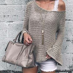 Summer Fashion Trends 2017 - open-knit bell jumper with . Summer Fashion Trends 2017 - open-knit bell jumper on interesting plans , Summer fashion trends 2017 - open knit bell sleeve slouchy sweater on pinter. Celebrity Style Dresses, Celebrity Style Casual, Celebrity Fashion Outfits, Celebrity Style Inspiration, Summer Fashion Trends, Latest Fashion Trends, Summer Trends, 2017 Summer, Fashion Fashion