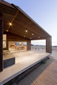 Gallery of Plinth House / LAND Arquitectos - 6