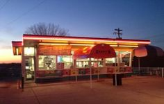 Zesty's Frozen Custard De Pere - 14 Fun Places to Visit Along The Fox River Trail in Brown County!