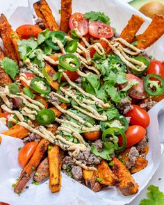 These Loaded Sweet Potato Fries + Avocado Lime Crema are the BEST! These Loaded Sweet Potato Fries + Avocado Lime Crema are the BEST! Sweet Potato Fries Healthy, Crispy Sweet Potato, Loaded Sweet Potato, Clean Eating Recipes, Healthy Eating, Healthy Recipes, Avocado Recipes, Healthy Food, Potato Recipes