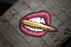 Her lips morale patch