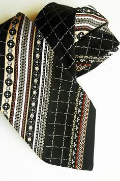 Vintage classic polyester Carlton tie