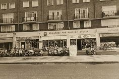 Edwards Bike Shop Camberwell Road Camberwell South East London England in 1979 London History, Local History, Old London, East London, Old Pictures, Old Photos, Old Street, Street Photo, Historical Photos